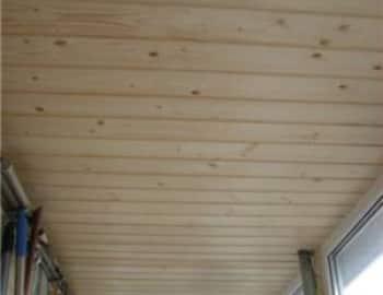 Лоджия с потолочной рейкой