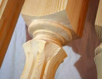 столб для лестницы фрезированный